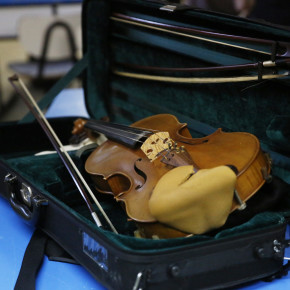 Spanish orchestra fights with the weapon of music